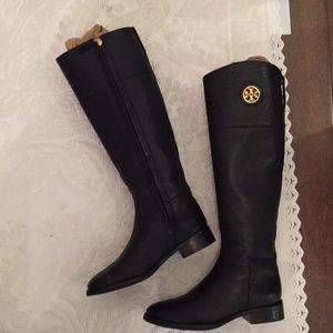 Tory Burch riding boots Pebbled leather. 51/2.